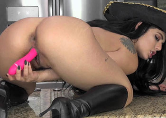 Pirate wench Gina fucks her dildo
